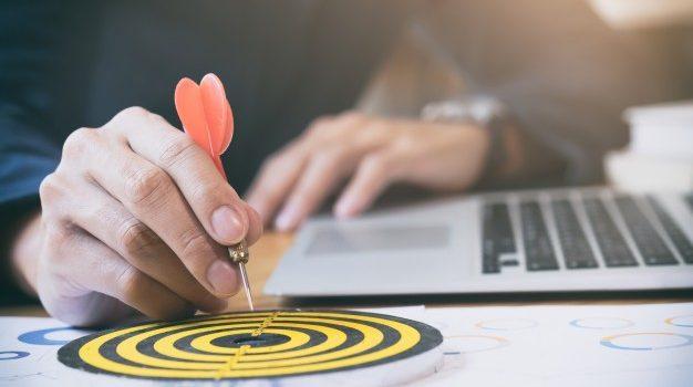 objectivos-de-meta-de-sucesso-estrategico-de-estrategia-de-negocios_1421-33